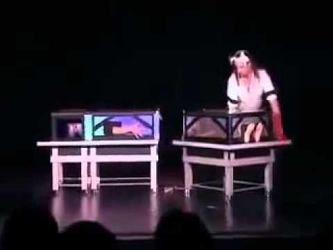 Un magicien rate son tour et tue sa femme lors du show - Explication tour de magie femme coupee en deux ...