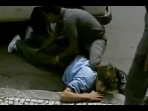 [VIP] La police Brésilienne tue un trafiquant de drogue en direct à la télé
