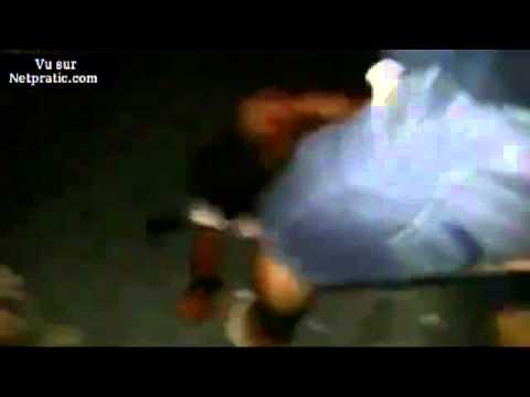 [VIP] Voleur d'un téléphone portable se fait massacrer par la foule (Public averti)